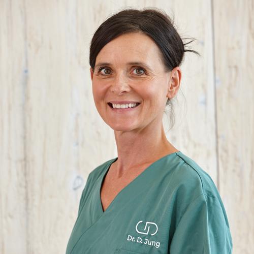 Dr. Dominika Jung | Dres. Jung – Fachzahnärzte Donauwörth